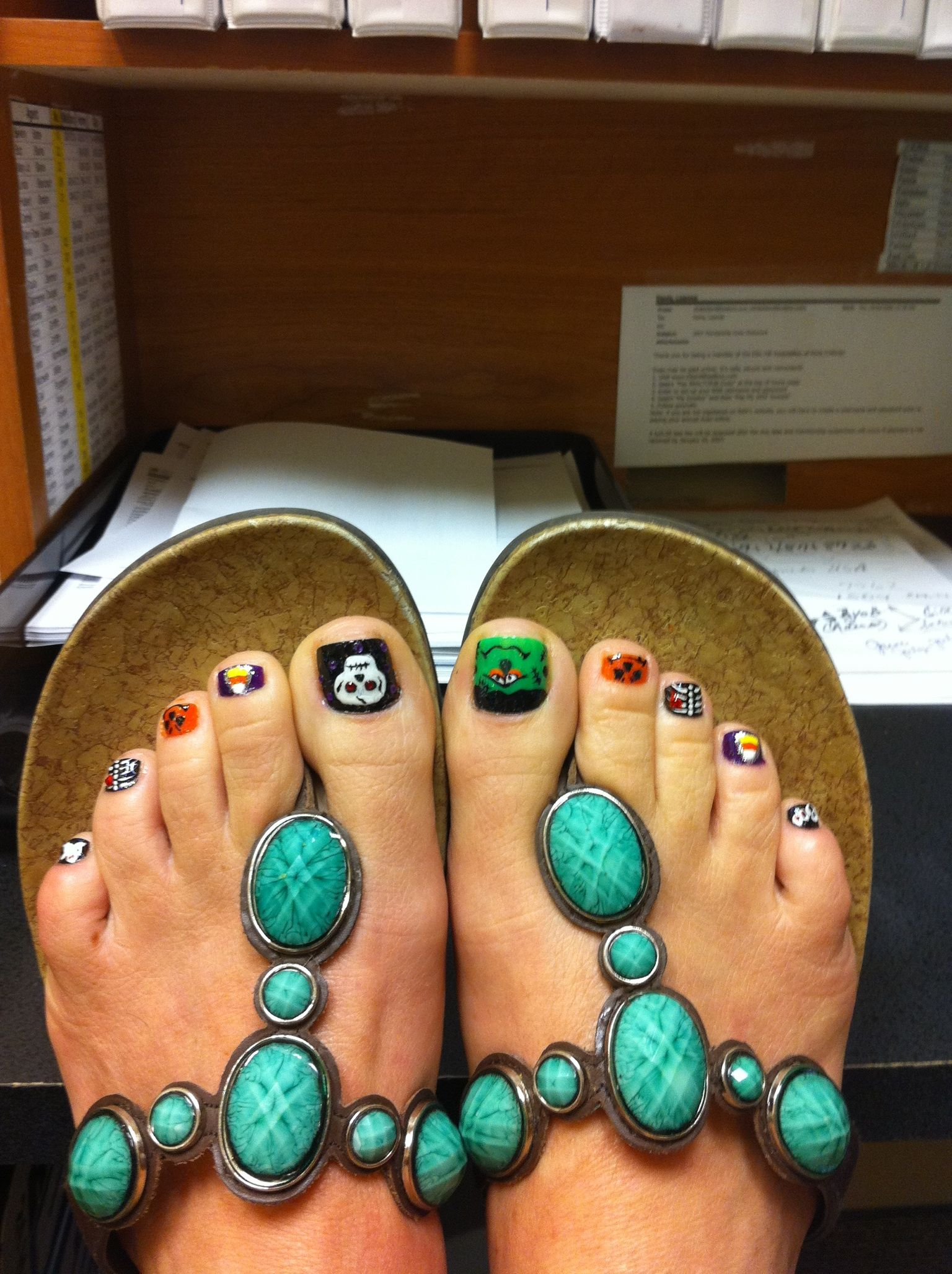 Halloween nail art. Pedicure | nail color | Pinterest | Pedicures ...