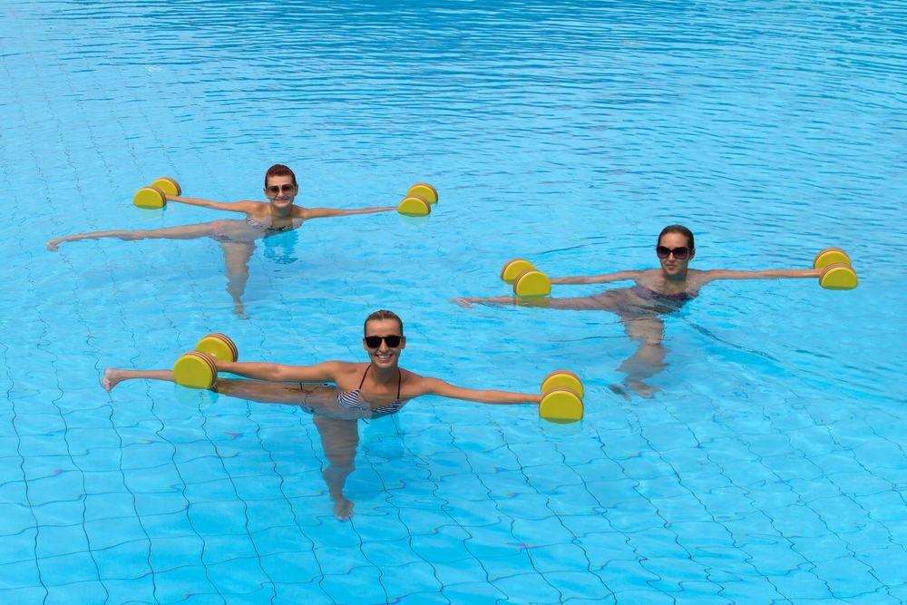 L aquagym pour maigrir bouff e d 39 o 2 exercices aquagym aquagym maigrir piscine - Entrainement piscine pour maigrir ...