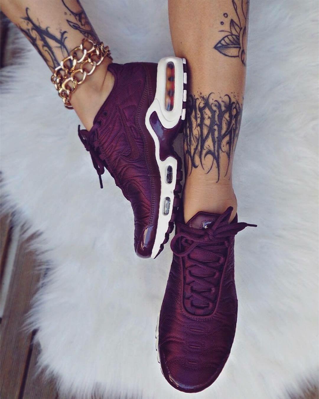 Pinterest Nuggwifee N I K E ️ Shoe Boots Shoes E