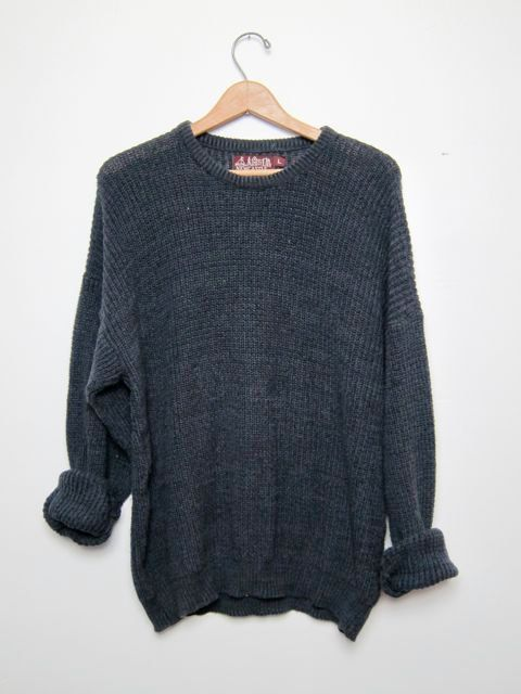 vintage black sweater. oversized sweater. by dirtybirdiesvintage