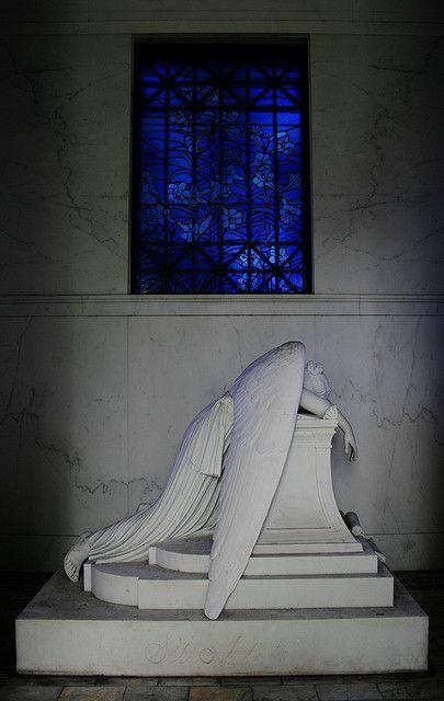 Weeping angel, Metarie Cemetery