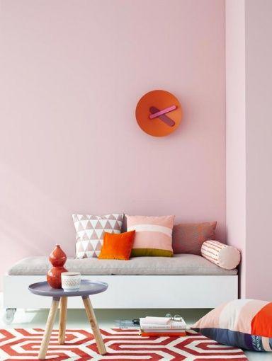 wohnen mit farbe pastell als wandfarbe mit farbigen m beln. Black Bedroom Furniture Sets. Home Design Ideas