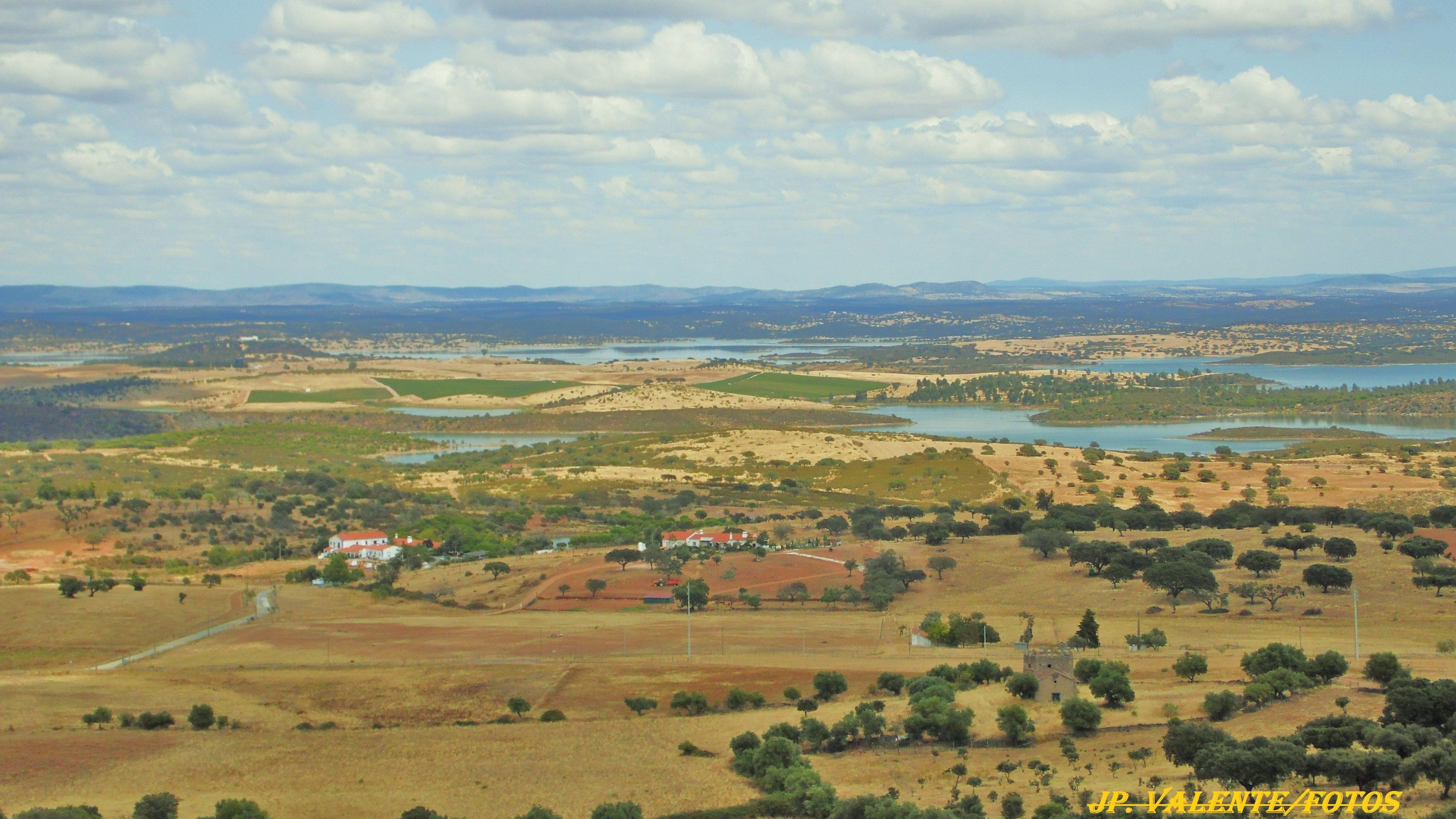 Por Terras Do Grande Lago Alqueva Alentejo Portugal Grandes