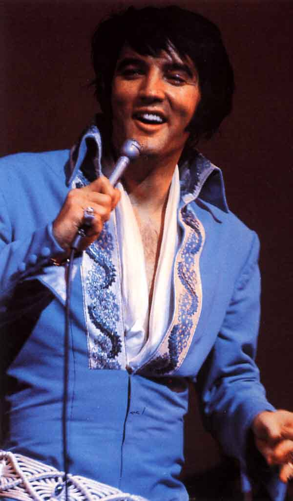 Image from http://www.elvis-collectors.com/blue_tapestry-2.jpg.