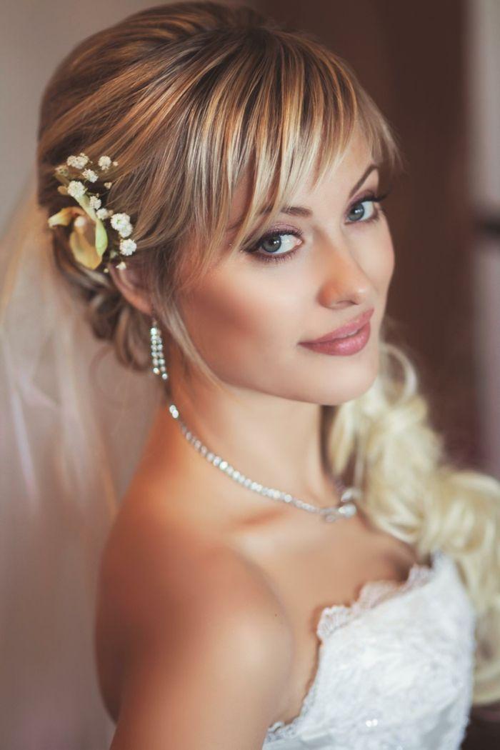 Moderne Braut Frisur Mit Pony Fur Frauen Im Jahr 2018 2018 Brautfrisur Frauen Fur Jahr Moderne Pony Frisur Hochzeit Hochzeitsfrisuren Brautfrisur