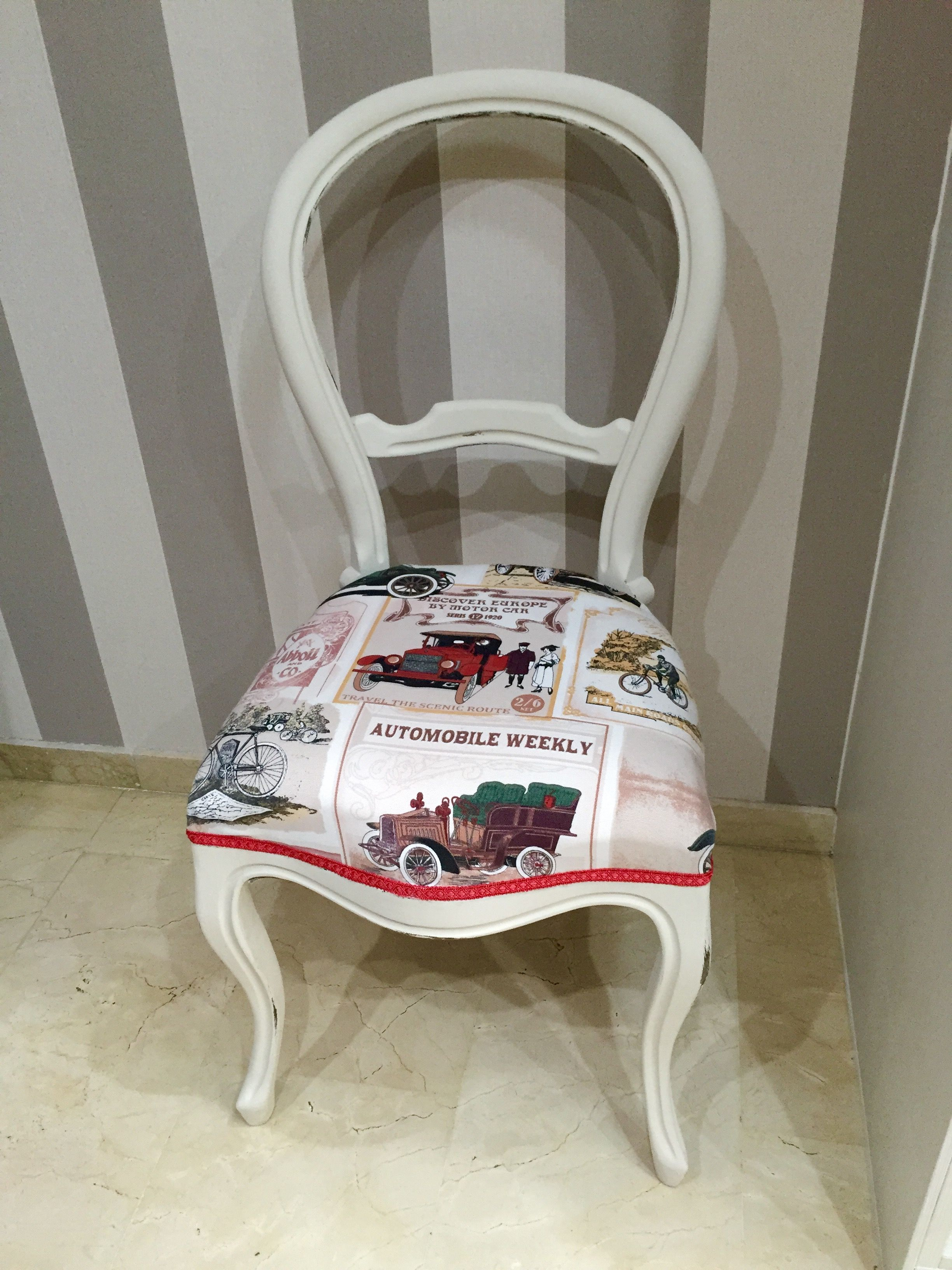 Silla isabelina pintada decapada y tapizada ideas for Sillas modernas vintage