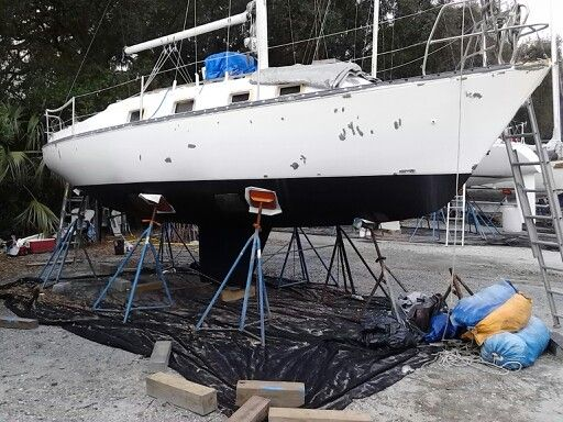 2nd coat of bottom paint, hull with epoxy spots