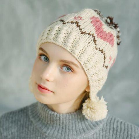 8ca807ec Womens Winter Hats. Loom Knitting Patterns. Knitting Stitch Patterns.  Knitting Stitches. https://www.buyhathats.com/sweet-heart-bobble-