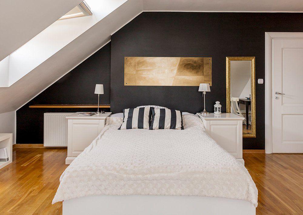 Klasyczna Sypialnia Z Podłogą W Stylu Skandynawskim Design