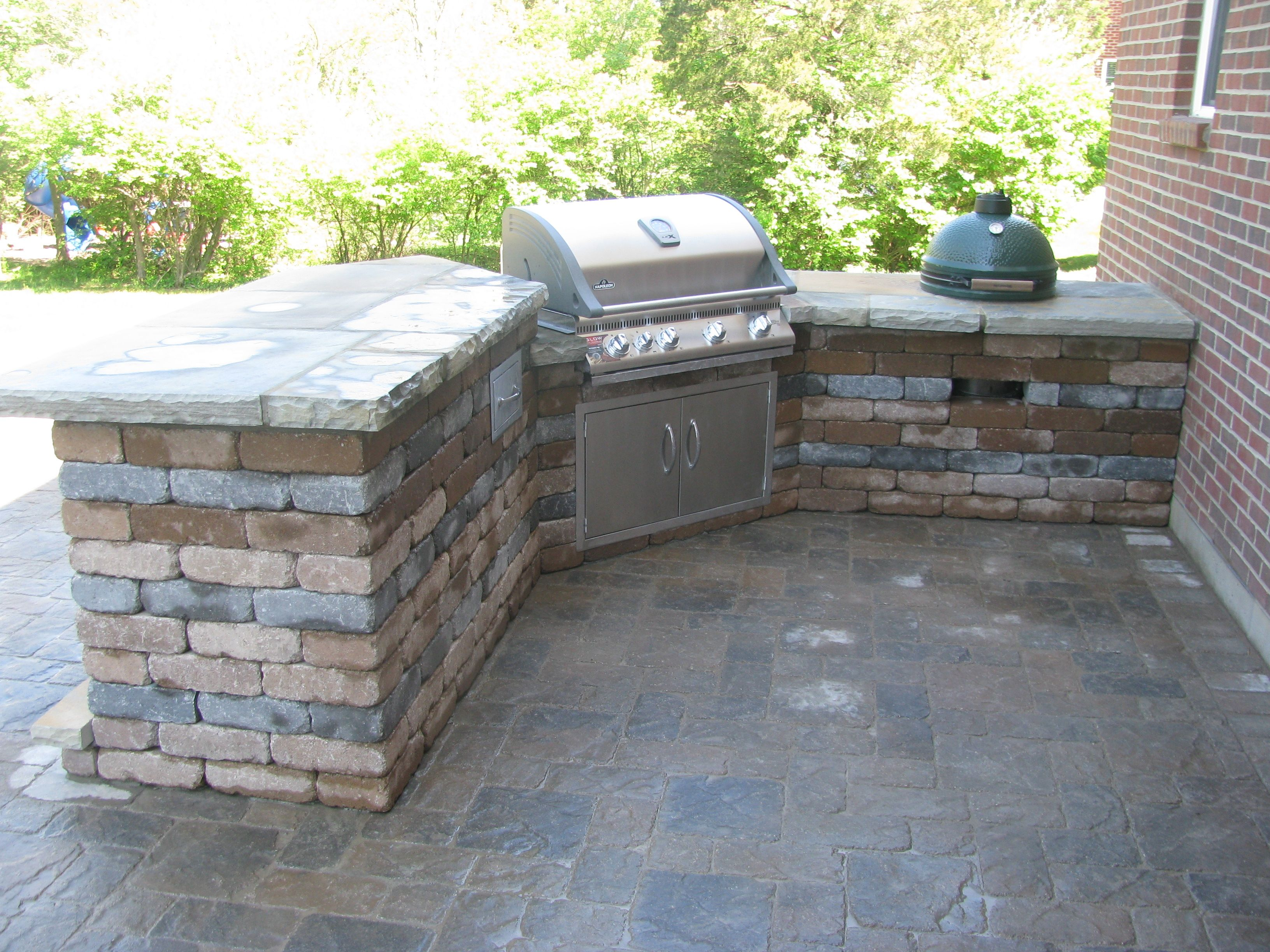 Grill Surround With Natural Flagstone Top Rumbled Wall Material Backyard Plan Outdoor Furniture Sets Outdoor Kitchen