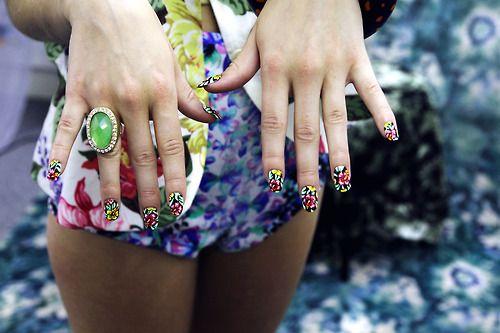 FLOWER POWER… Kenton Magazine Nails by Sophie...