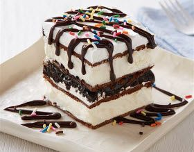 Frozen Dark Chocolate Ice Cream Sandwich Cake | Cozi.com