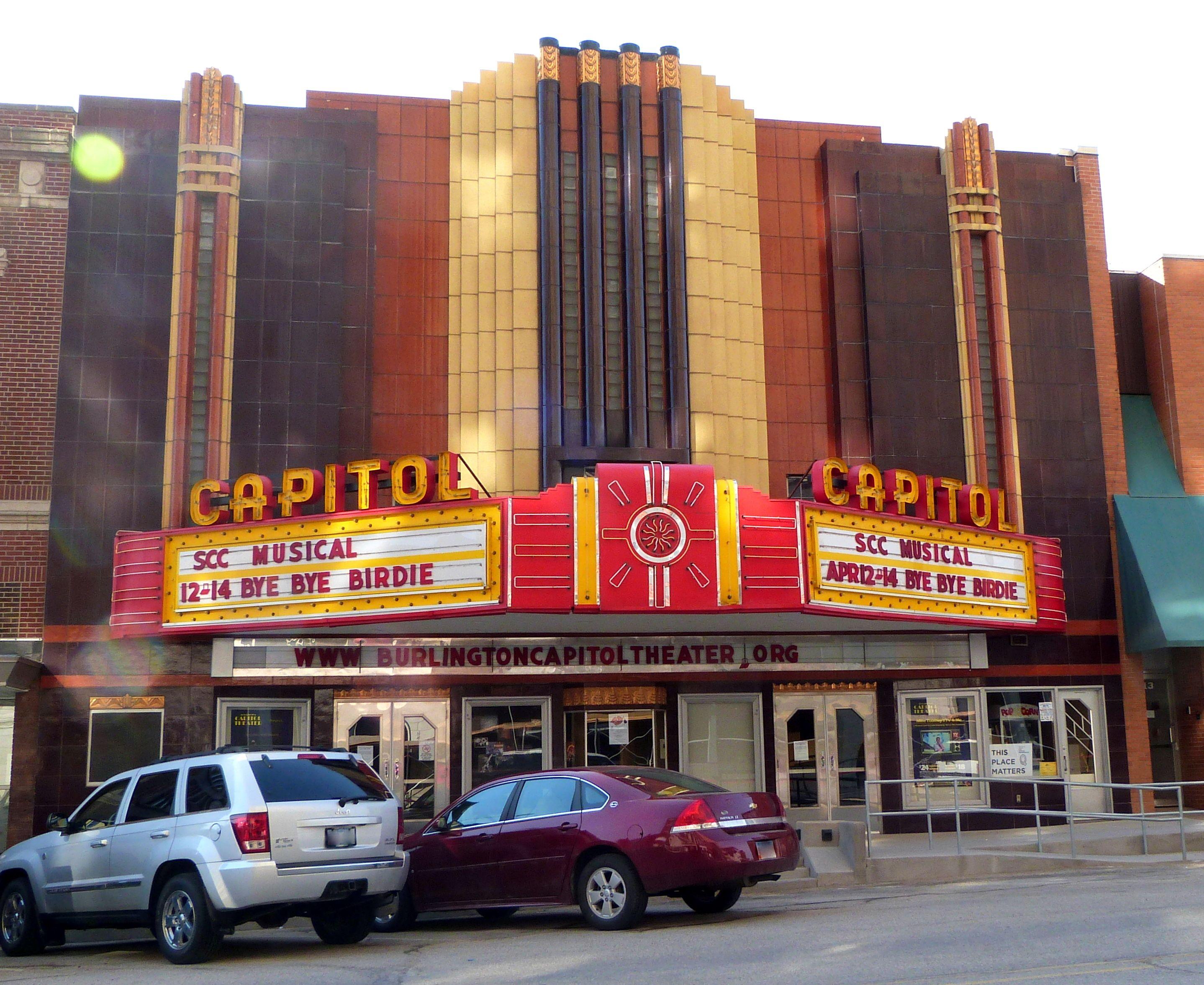 Art Deco Theater In Burlington Iowa Burlington Iowa Iowa Des