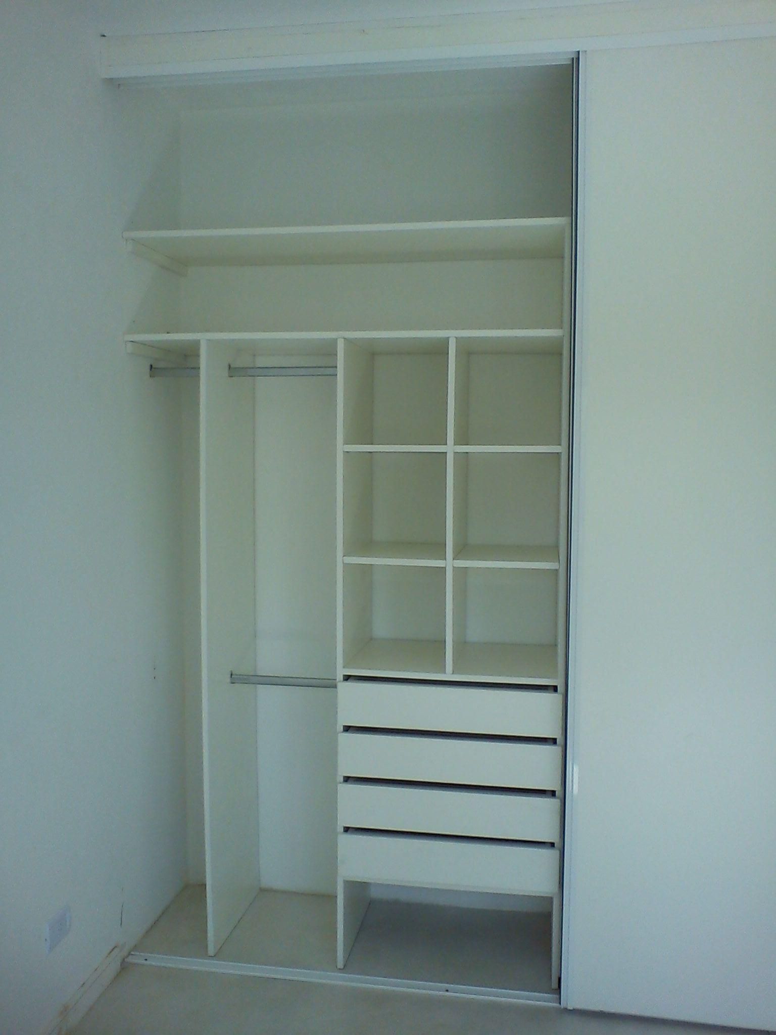 Mueble Interior con Puertas