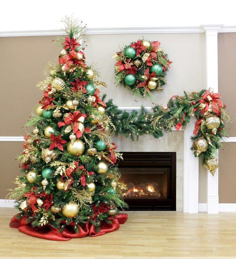 bolas de color oro y lazos rojos decorando la casa en navidad