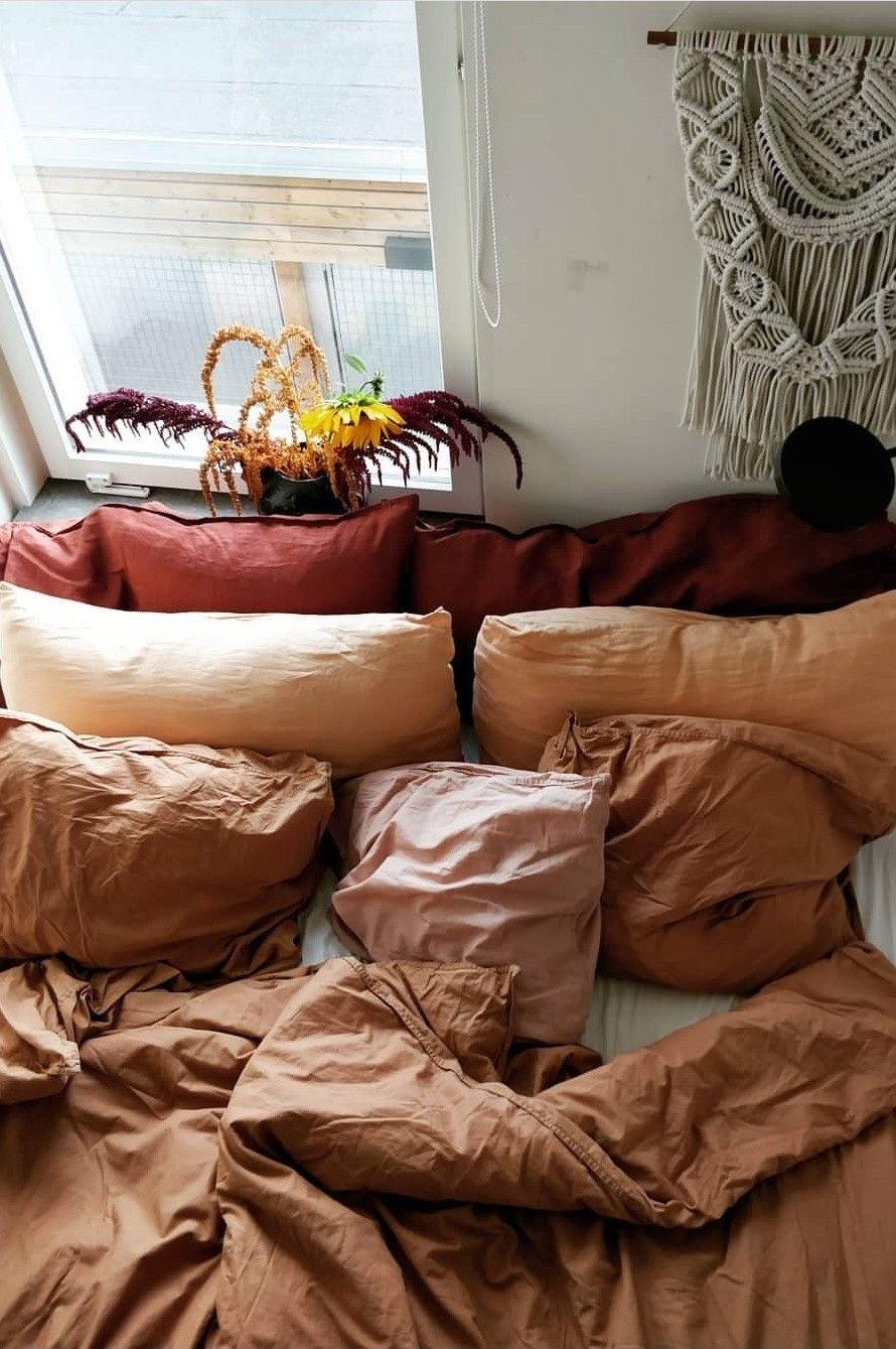 Bohemian earthy bedroom | Earthy bedroom, Earthy decor, Home