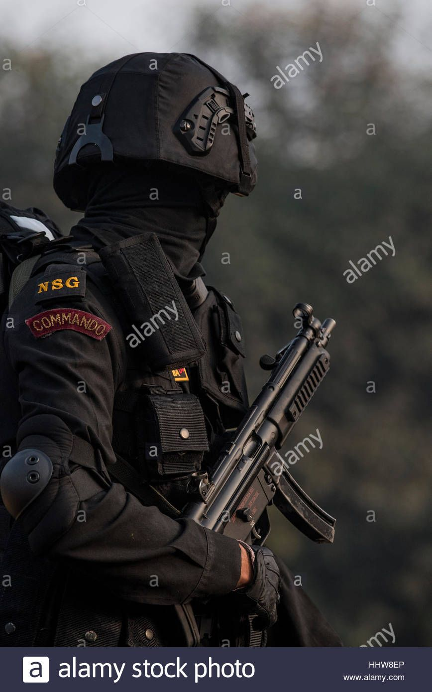 Download This Stock Image A National Security Guard Commando Ready To Walk Down Rajpath For Th National Security Guard Army Images Indian Army Special Forces