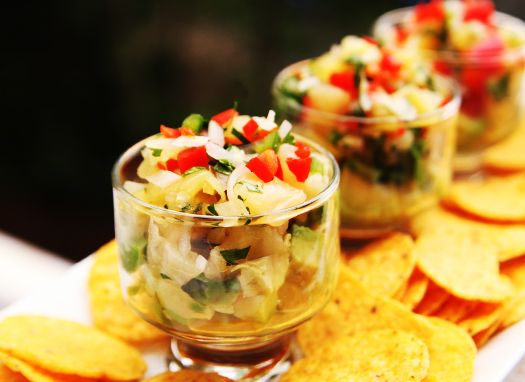 Pineapple Salsa from @Alice Currah ... Yum!