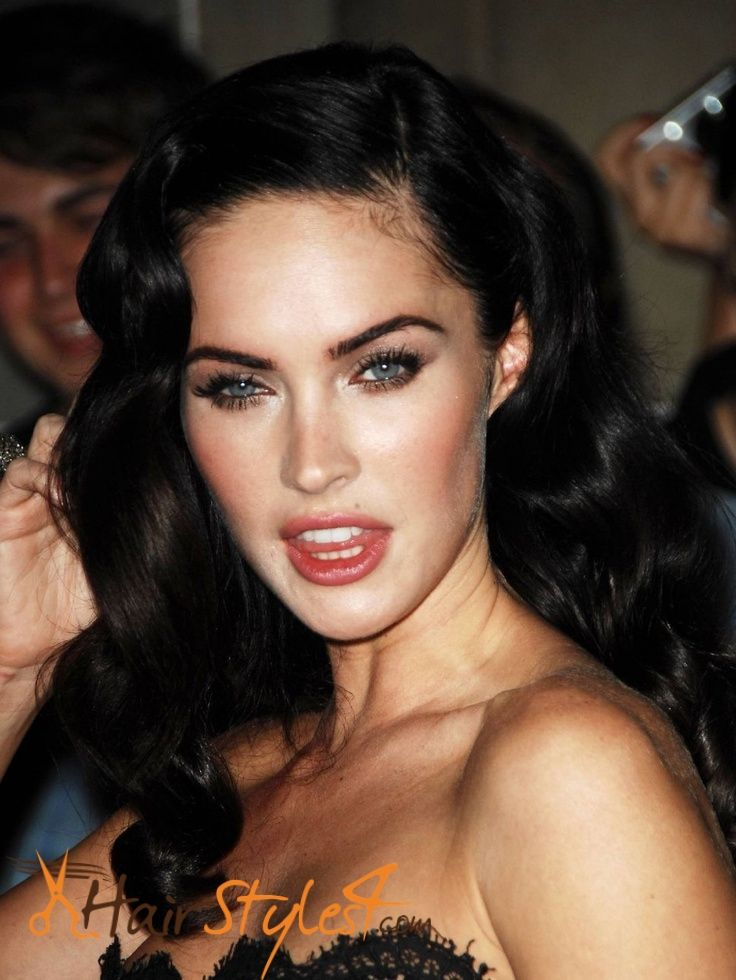 7 Outstanding Megan Fox Hairstyles Celebrity Hairstyle Pinterest