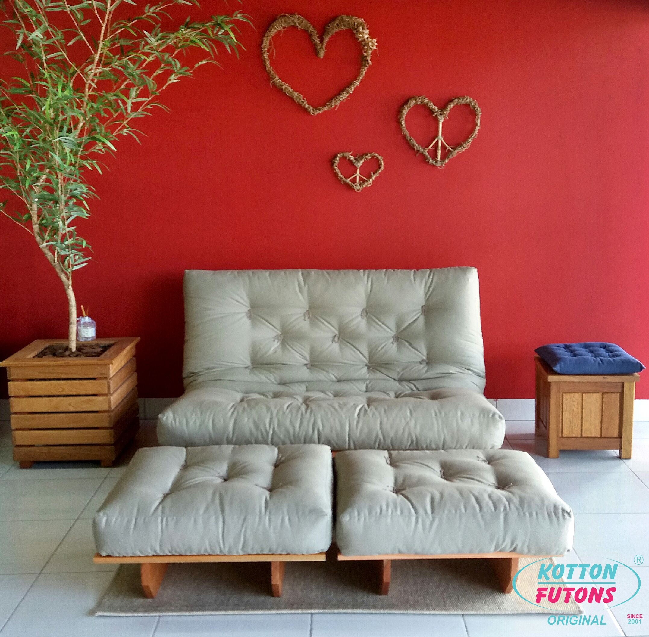 futon factory paris spacely black metal futon with. Black Bedroom Furniture Sets. Home Design Ideas