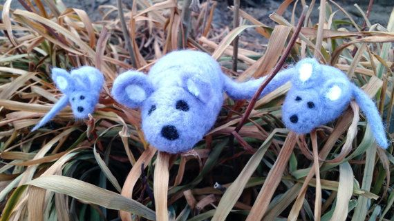 Hey, I found this really awesome Etsy listing at https://www.etsy.com/listing/213387767/felt-mouse-family