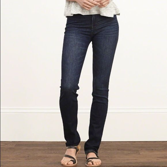 Abercrombie and Fitch Erin skinny jeans Dark wash stretch skinny jean Abercrombie & Fitch Pants Skinny