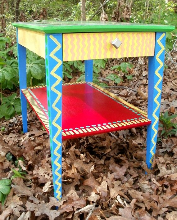 Cute Small Hand Painted Side Table With Hot Pink Top Painted Side Tables Painted Furniture Hand Painted Furniture