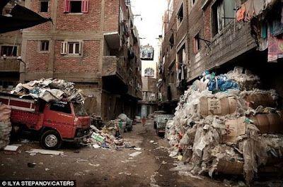 Manshiyat Nasser The Garbage City Kairo Kota Mesir