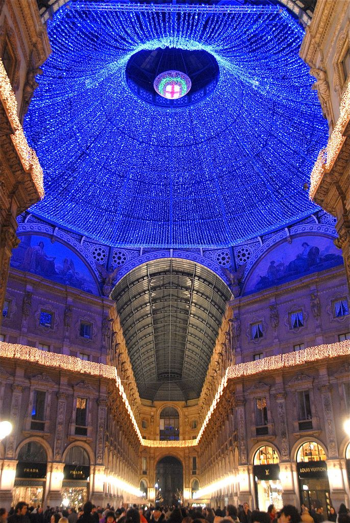2008 Christmas decorations at La Galleria, Milan, Italy Places we