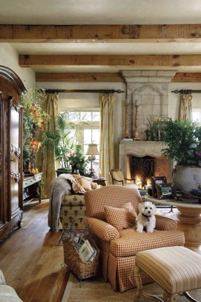 Traditional Victorian Colonial Living Room By Timothy Corrigan With Images: Pin By Lorene Hart 🌻 On ~*~ Autumn Cottage On Pumpkin Lane ~*~ In 2019