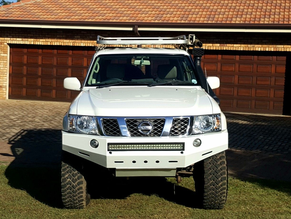 Y61 nissan patrol custom light bar fitted to g tek bumper our y61 nissan patrol custom light bar fitted to g tek bumper mozeypictures Choice Image