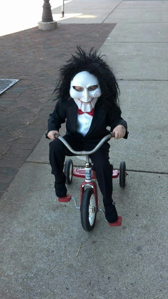 This Little Guy Was Coming Around Today Epic Halloween Costumes Creepy Halloween Costumes Scary Halloween Costumes