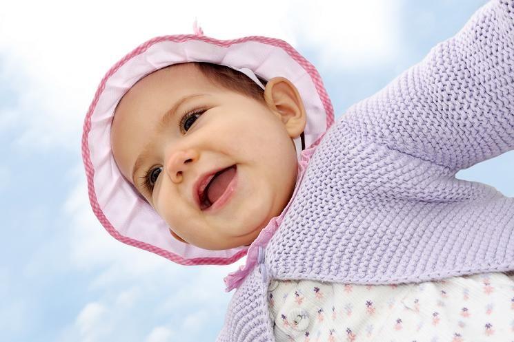 ¿Sabían que al año de edad, el peso del bebé será aproximadamente tres veces su peso al nacer?  ¡Es hermoso verlos crecer!