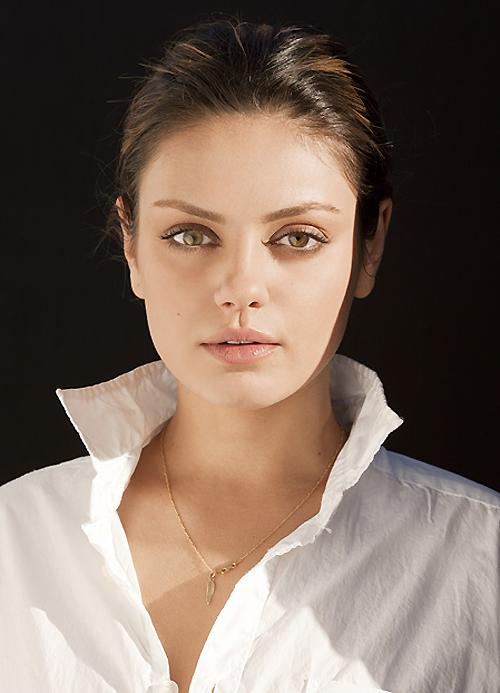 Mila Kunis - Nude Smokey Eye And Natural, Fresh Face  Make Up  Pinterest-3103