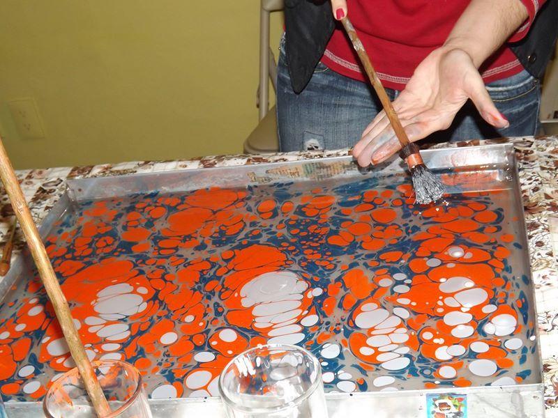 Creadora de diseños y artista en GEBRUZEN tecnica Arte Ebru. WORKSHOPS