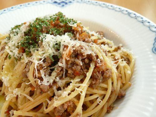 cheeeeesy/ground beef pasta. yum