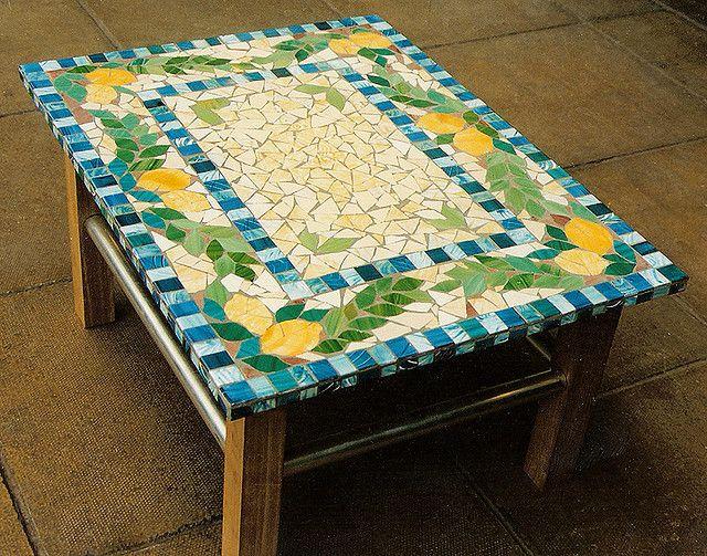 Lemon mosaic coffee table mosaics lemon and coffee for Mosaic coffee table designs