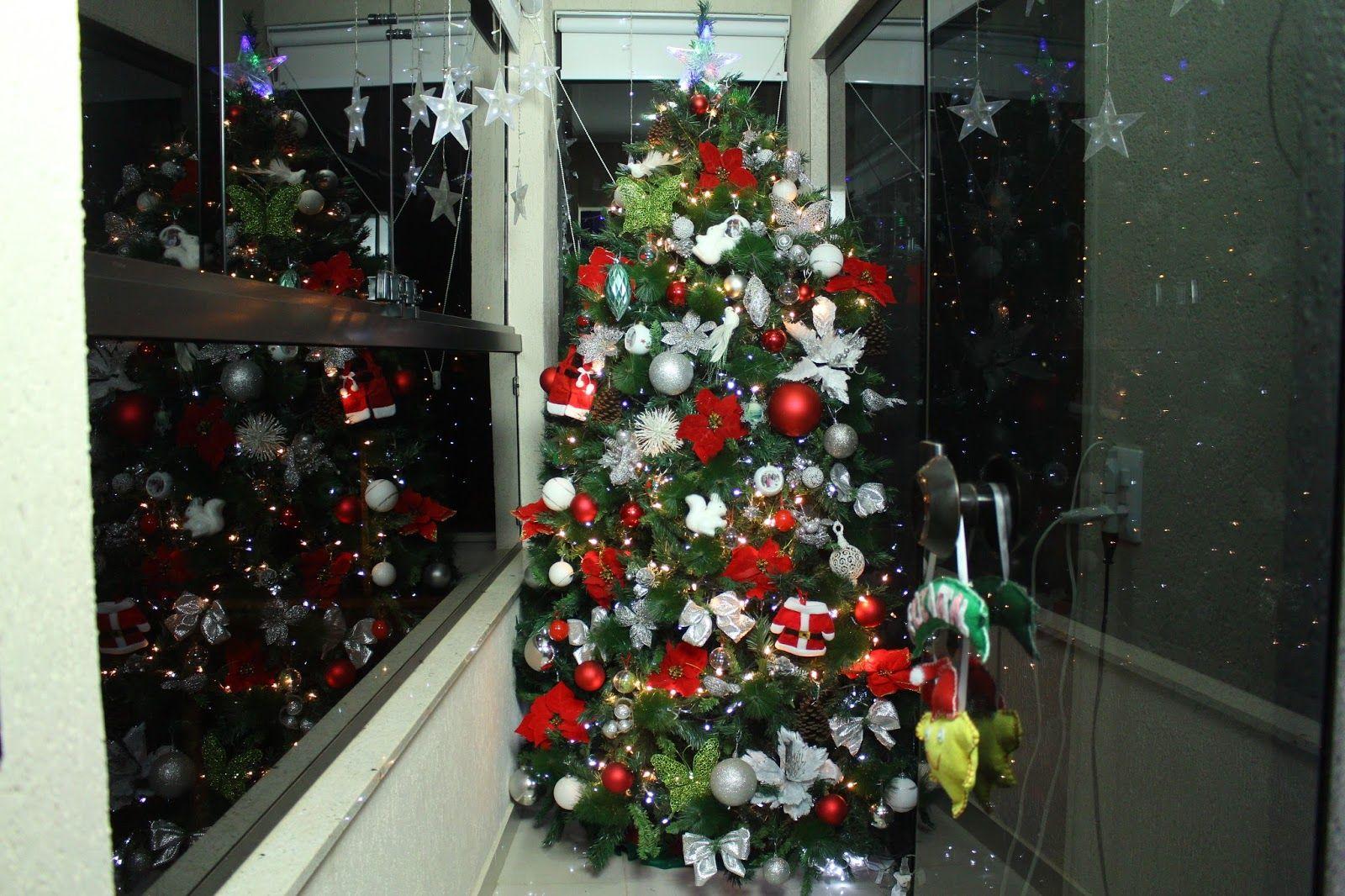 Arvore De Natal Decoracao Vermelho Prata Branco E Verde Com Flores