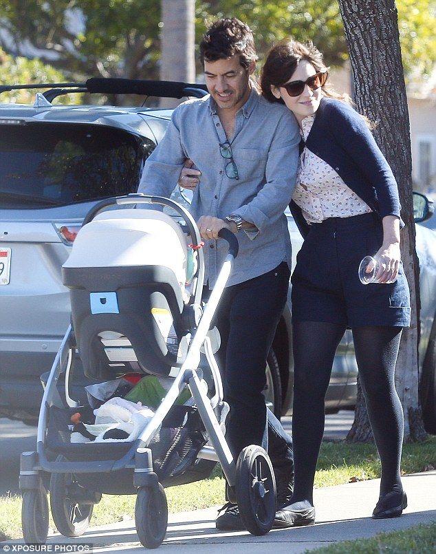 Zooey Deschanel Is Expecting Her Second Child Zooey Deschanel Children Second Child