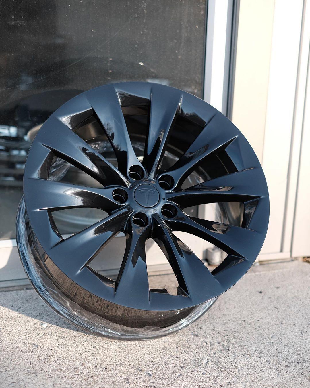 Tesla Model X Wheels Refinished In Gloss Black With Blue Flake In 2020 Tesla Model X Gloss Black Tesla Model