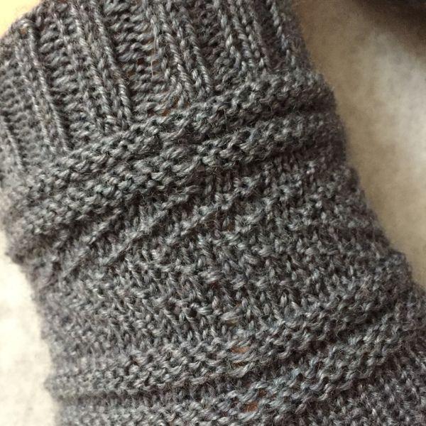 """Übersetzung """"Gansey Socks"""" in 2020 (mit Bildern) Socken"""