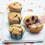 La colazione perfetta ha come protagonisti i muffin allo yogurt e mirtilli: leggi la ricetta su Sale