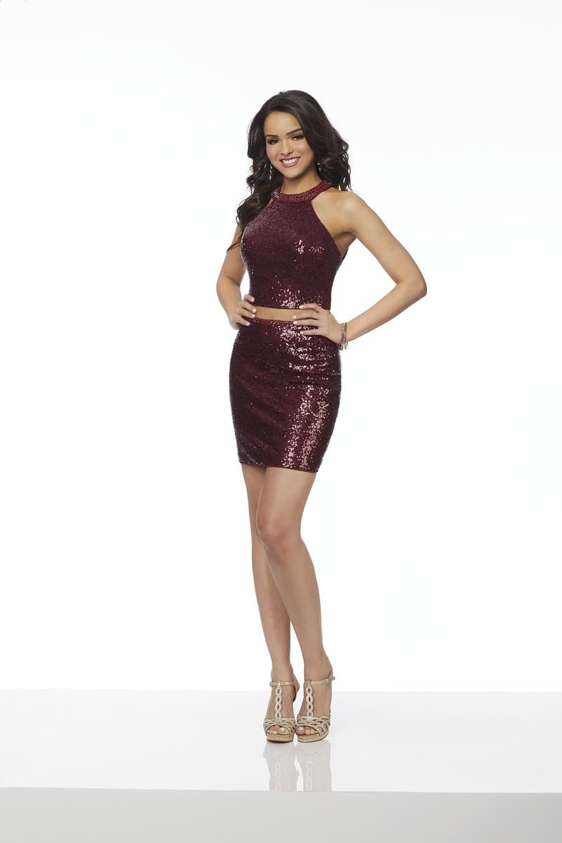 Sticks And Stones 33072 Is A Sleeveless Two Piece Allover Stretch Sequin Cocktail Dress With A Dresses Long Sleeve Homecoming Dresses Fitted Homecoming Dresses [ 1200 x 800 Pixel ]