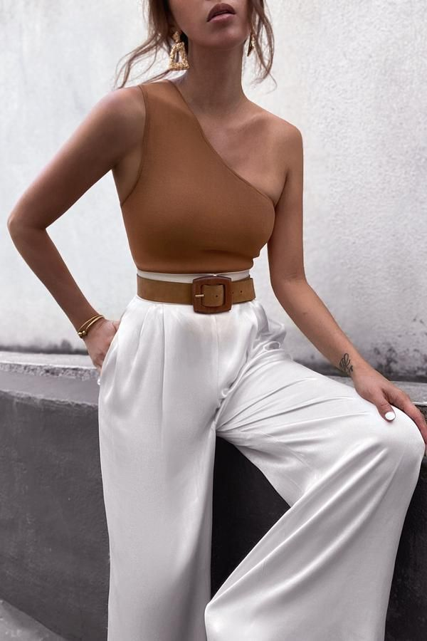 Photo of BASIC ONE SHOULDER TOP – TAN