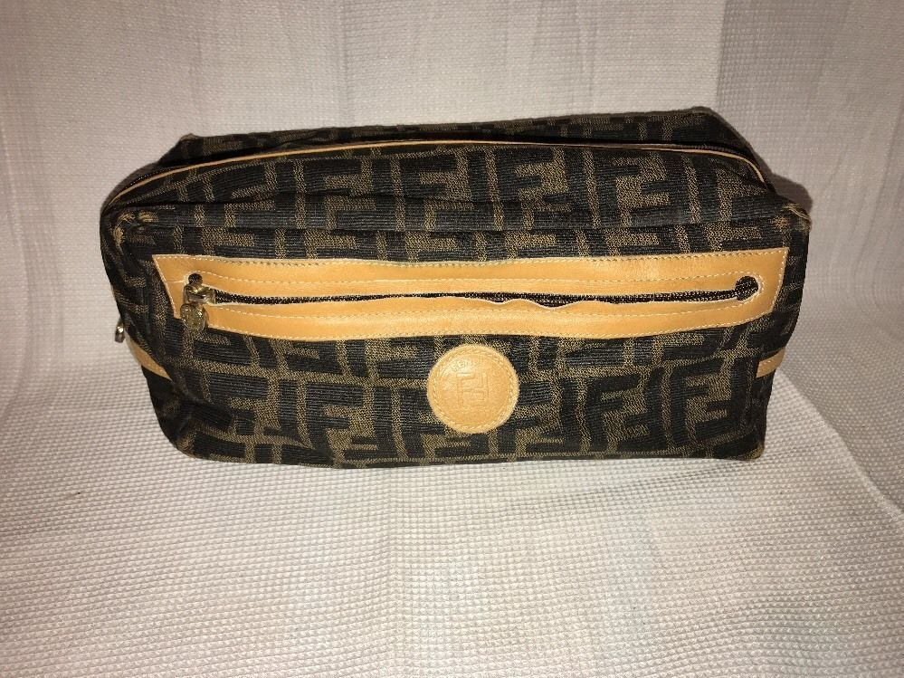 34e0094a95b0 ... switzerland fendi toiletry bag classic style mens dopp kit cosmetic  fendi 5b39f b7431