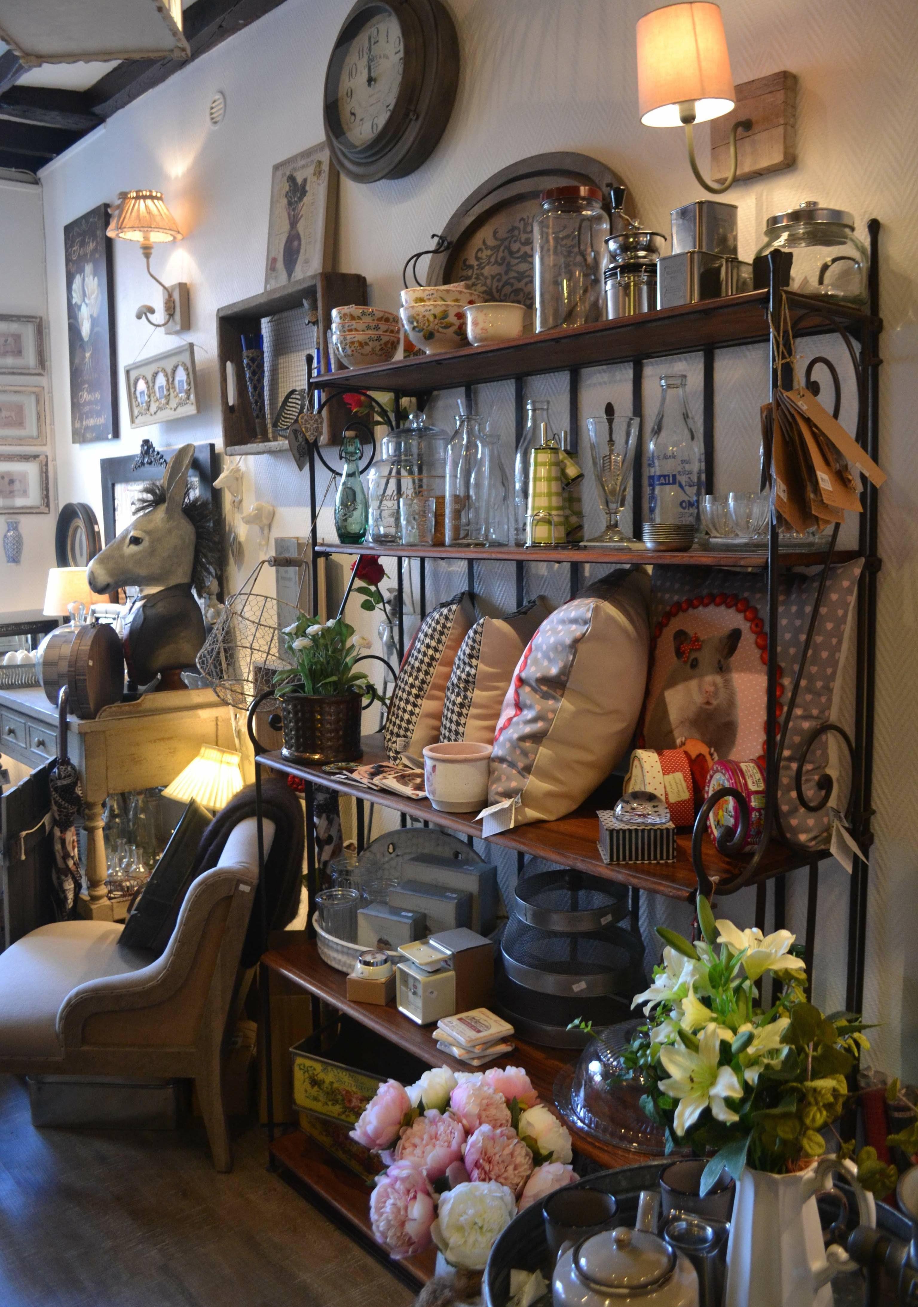 Interieur De La Boutique Chezbetoche Ruedaguerre Objets Deco
