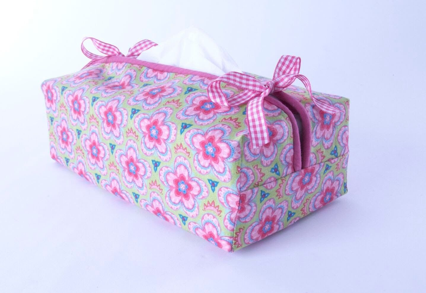 Tissue box cover sewing tutorial by debbie shore tissue for Tissue box cover craft