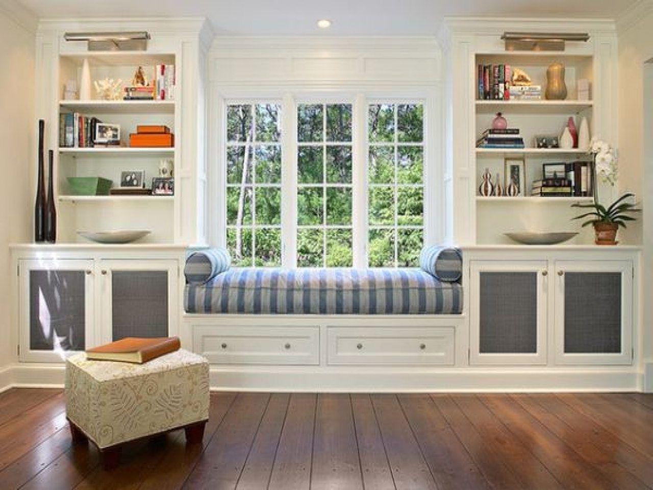 Window Seat And Bookshelves American Hwy Ellen S