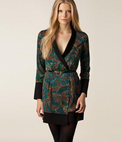 Mønstret slå om kjole   Modeøj