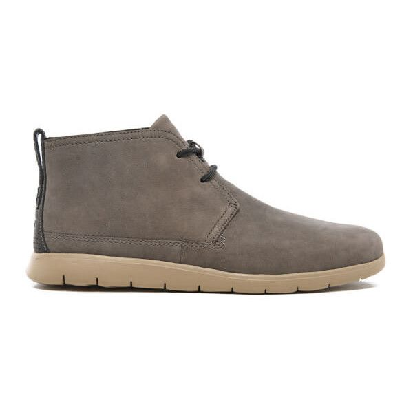 UGG Men's Freamon Capra Treadlite Leather Chukka Boots ($140) ❤ liked on Polyvore featuring men's fashion, men's shoes, men's boots, brown, mens brown boots, mens brown leather boots, mens brown leather lace up boots, mens brown leather shoes and mens boots